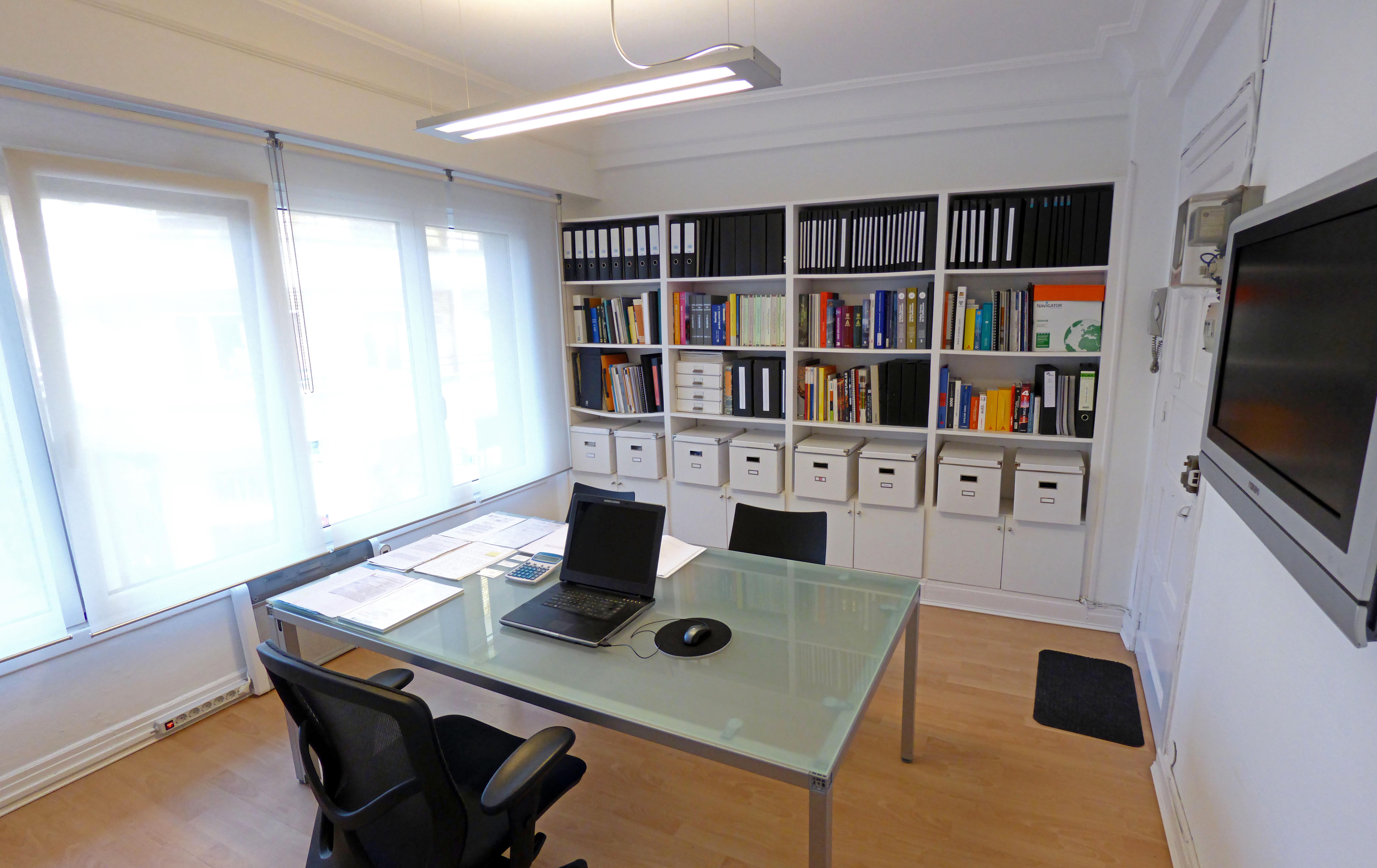 Oficina Arquitecto técnico